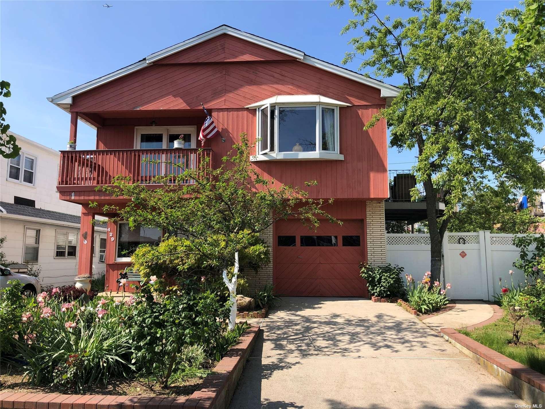 Photo of 429 E Park Avenue # upper, Long Beach, NY 11561, Long Beach, NY 11561