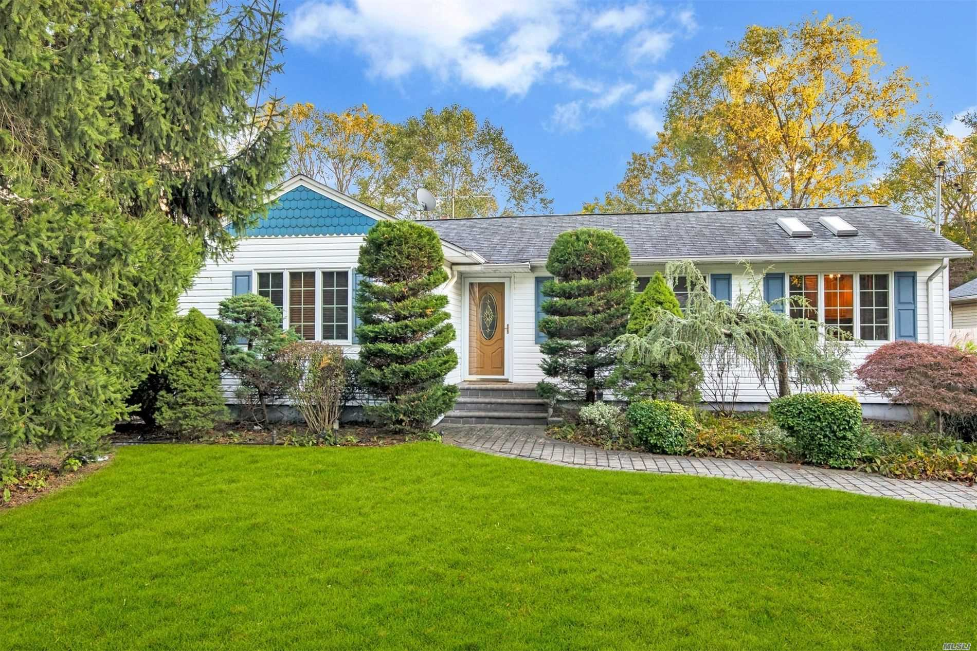 Listing in E. Northport, NY