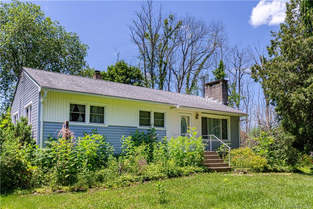 Commercially zoned 5 acres with house in Patterson, NY