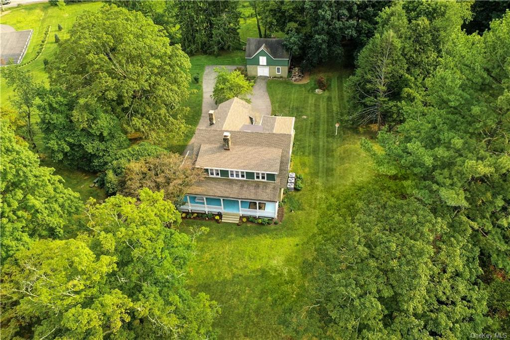 Would you like to feel like you're living on a country estate but be close to NYC? Come view this be