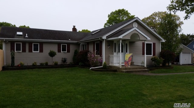 Listing in Holbrook, NY