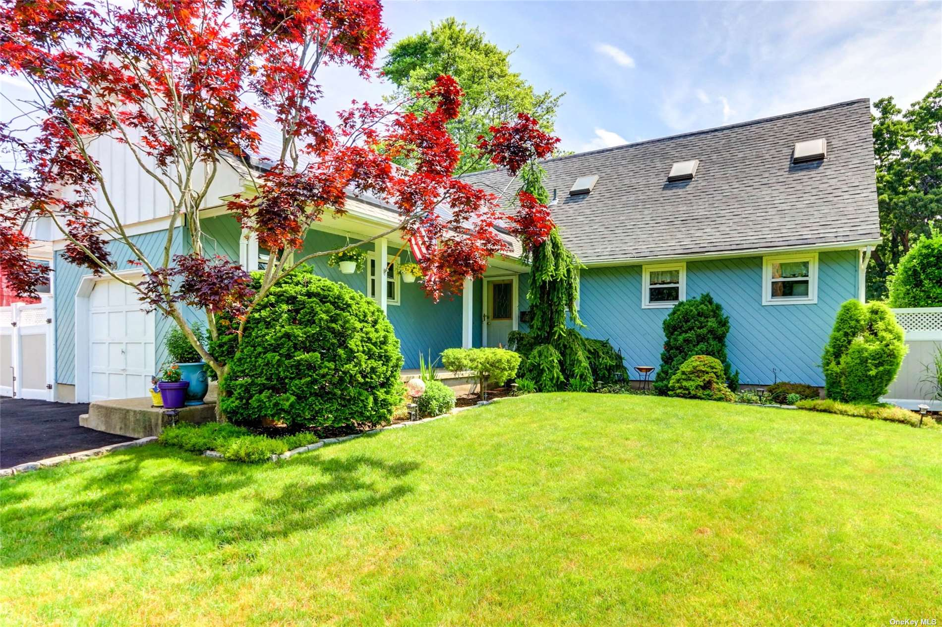 Listing in Copiague, NY