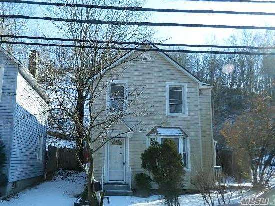 Listing in Oyster Bay, NY