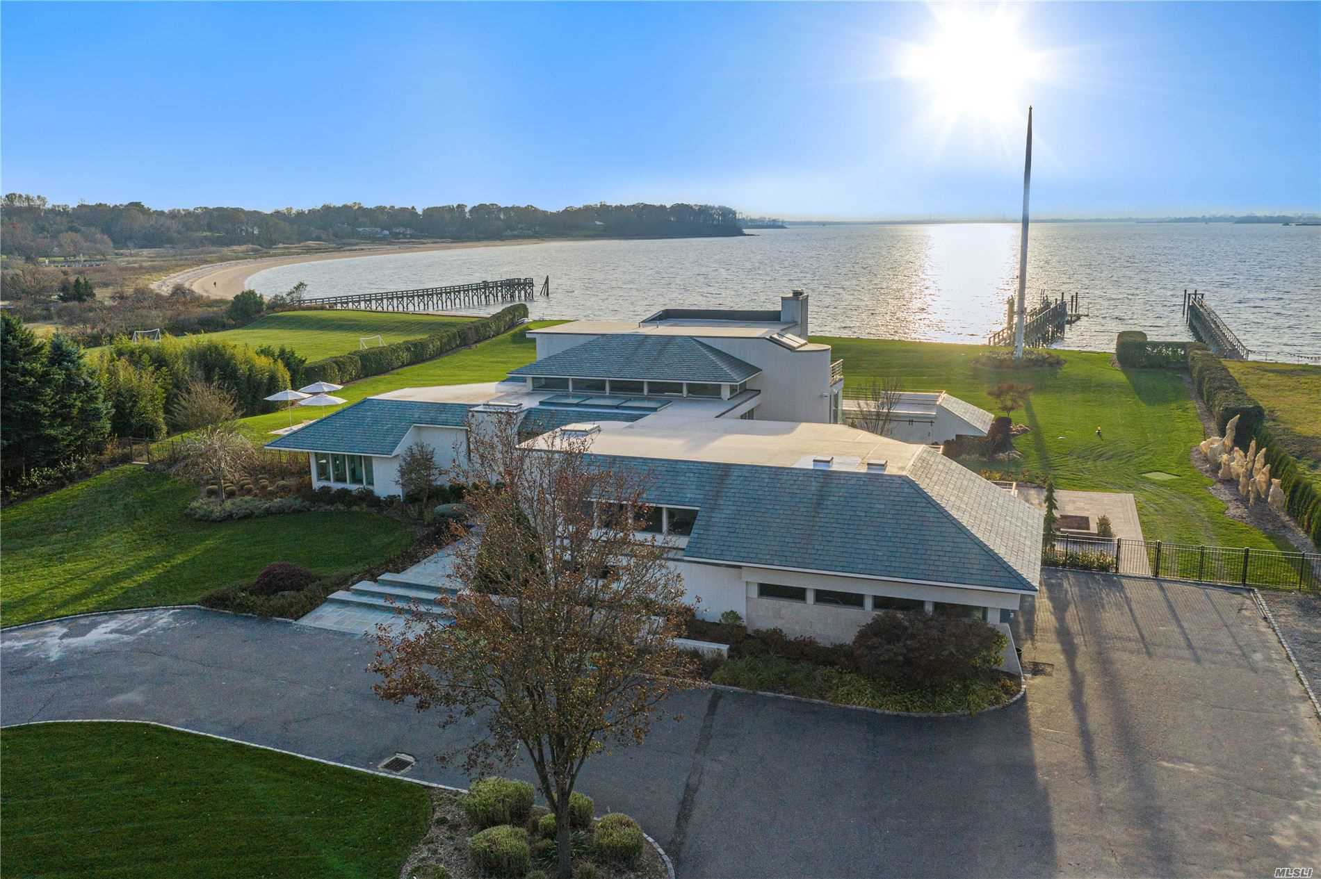 Listing in Sands Point, NY