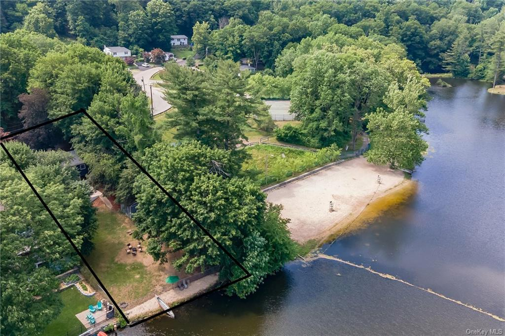 LAKEFRONT HOME ONLY $499,900. Just 1-hr North of NYC. Perfect for weekends or full time living. This