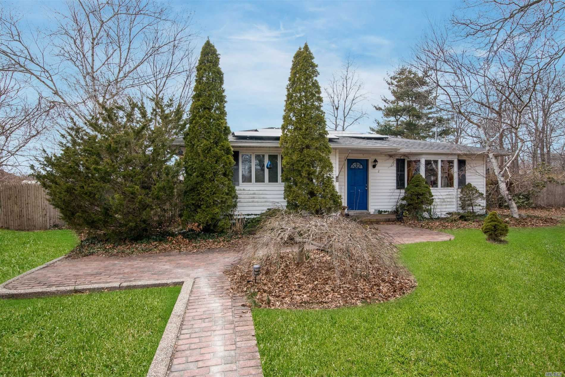 Listing in East Moriches, NY