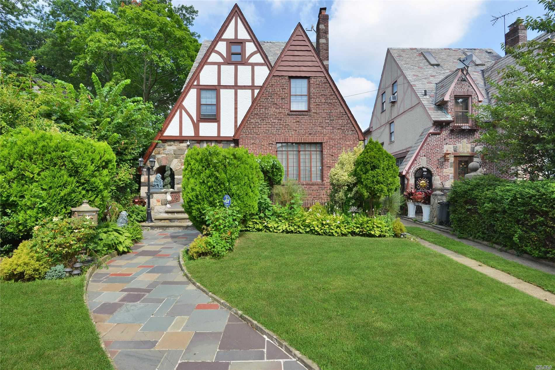 Listing in Jamaica Estates, NY
