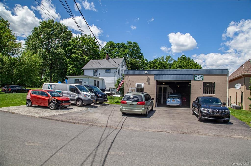 Great opportunity to own an income producing investment property in Northern Westchester. The proper