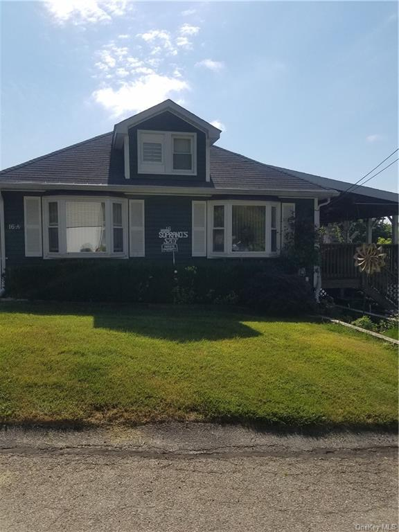 Lovely, sunny and bright duplex home, located in Lake Peekskill.  1 bedroom, 1 office/study, 1 bathr