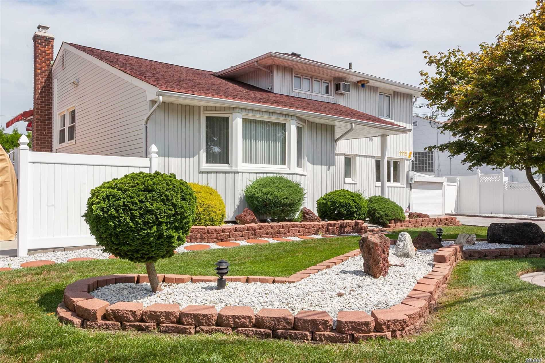 Listing in N. Bellmore, NY