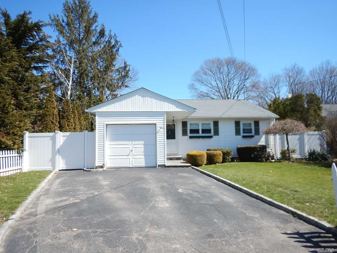 Listing in Greenlawn, NY