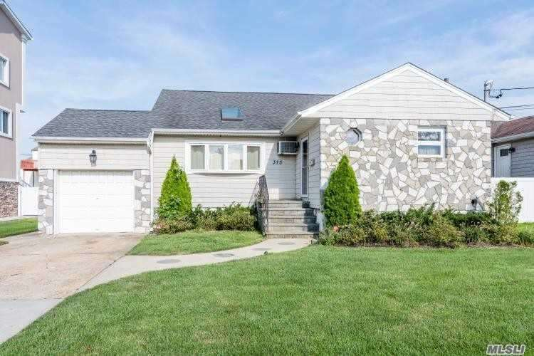 Listing in Freeport, NY