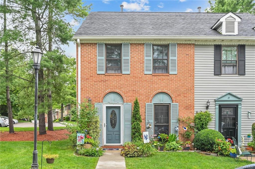 Welcome Home to this immaculate, updated townhome!! Inside is stylishly designed with modern finishe