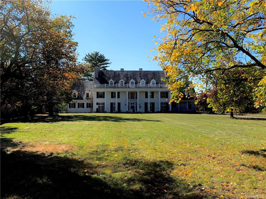 Fox Hollow, a legendary Hudson Valley estate and 168 acre institutional property is on offer in the Town of Rhinebeck.