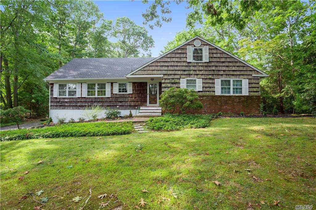 Listing in Mt. Sinai, NY