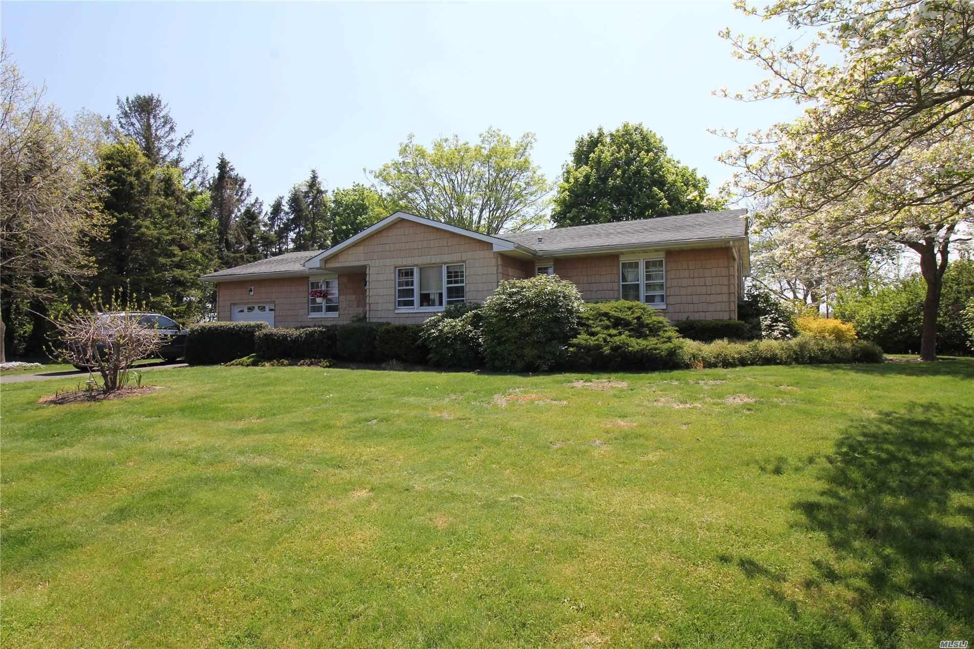 Listing in Laurel, NY