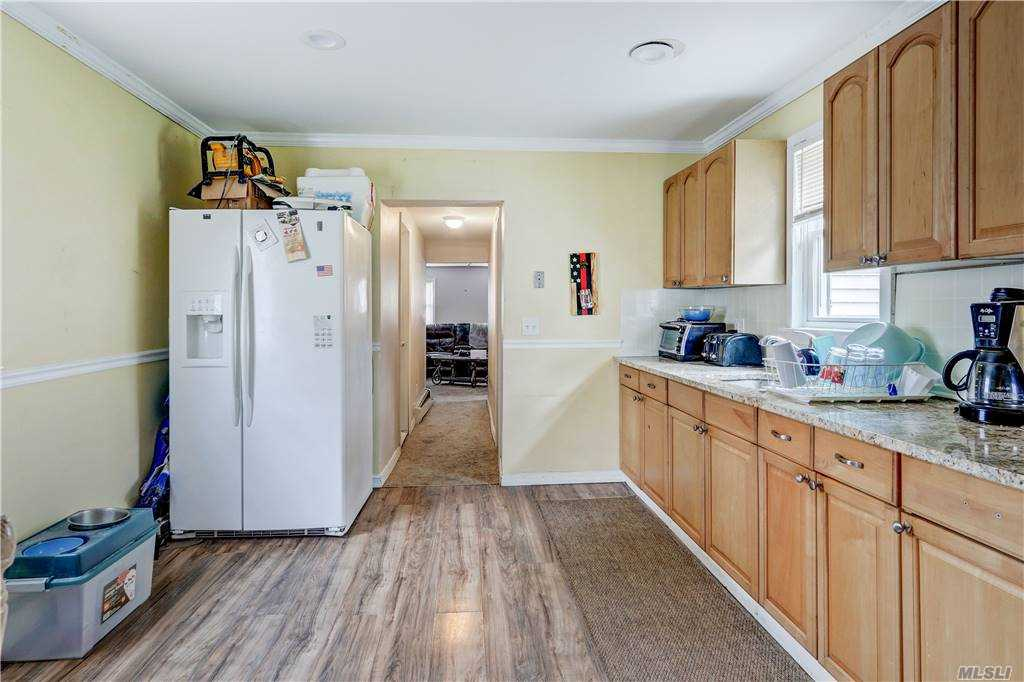 48 S Country Road Patchogue Ny 11772 For Sale Nystatemls Listing 10938617